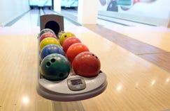 Bolas de bowling coloridas Imagen de archivo libre de regalías