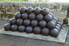 Bolas de cañón Fotos de archivo libres de regalías
