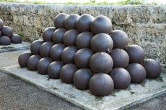 Bolas de cañón Imagenes de archivo