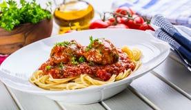 Bolas de carne Cocina italiana y mediterránea Bolas de carne con s Foto de archivo libre de regalías