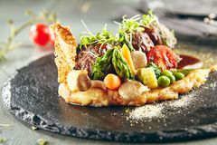 Bolas de carne del cordero con los purés de patata Foto de archivo libre de regalías