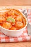 Bolas de carne en salsa de tomate Imágenes de archivo libres de regalías