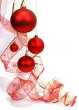 Bolas de cristal rojas colgantes Imagenes de archivo