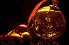Bolas de la decoración de la Navidad Imágenes de archivo libres de regalías