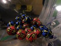 Bolas de la lotería durante la extracción Fotografía de archivo libre de regalías