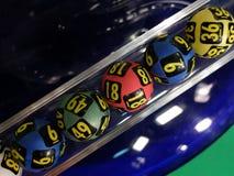 Bolas de la lotería durante la extracción Foto de archivo