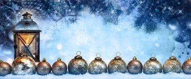 Bolas de la luz y de la Navidad del invierno Imágenes de archivo libres de regalías