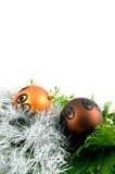 Bolas de la Navidad con las ramificaciones y la cinta Imagen de archivo libre de regalías