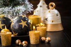 Bolas de la Navidad con las velas Fotos de archivo
