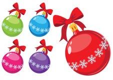 Bolas de la Navidad con los copos de nieve y los arqueamientos Fotos de archivo