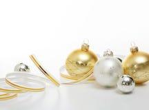 Bolas de la Navidad de la plata y del oro Imagen de archivo libre de regalías