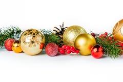 Bolas de la Navidad del oro en blanco Imágenes de archivo libres de regalías