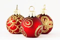 Bolas de la Navidad en el rojo y el oro II Fotografía de archivo