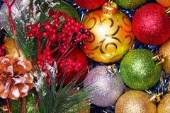 Bolas de la Navidad Fondo brillante del color imagen de archivo libre de regalías
