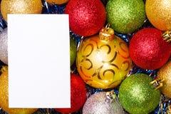 Bolas de la Navidad Fondo brillante del color foto de archivo