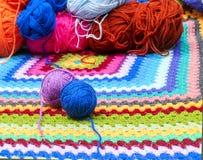 Bolas de lanas coloreadas Foto de archivo libre de regalías
