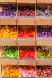 Bolas de madeira scented exóticas para a venda em França Imagens de Stock