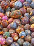 Bolas de madera decorativas Decoración tradicional para el h indio Foto de archivo