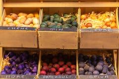Bolas de madera perfumadas exóticas para la venta en Francia Fotografía de archivo