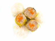 Bolas de masa hervida chinas de Dim Sum del alimento   Imagenes de archivo