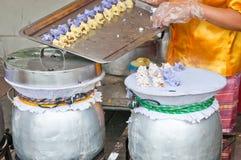 Bolas de masa hervida cocidas al vapor de la arroz-piel Fotografía de archivo libre de regalías