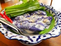 Bolas de masa hervida cocidas al vapor tailandesas de la arroz-piel imagen de archivo libre de regalías