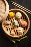 Bolas de masa hervida de Dim Sum Alimento tradicional chino imágenes de archivo libres de regalías