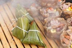 Bolas de masa hervida del arroz cocidas al vapor Fotos de archivo