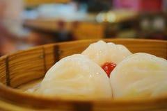 Bolas de masa hervida del camarón en Dian Du De imágenes de archivo libres de regalías