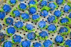Bolas de masa hervida formadas flor cocidas al vapor Imágenes de archivo libres de regalías