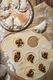 Bolas de masa hervida hechas en casa con las setas salvajes Imagen de archivo libre de regalías