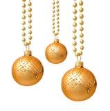 Bolas de oro colgantes de la Navidad aisladas Fotografía de archivo libre de regalías