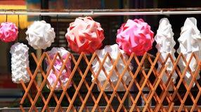 Bolas de papel trançadas Imagens de Stock
