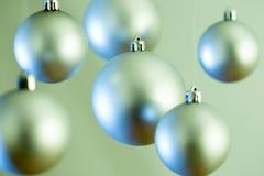 Bolas de plata de la Navidad Foto de archivo