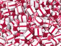 Bolas de queda do Natal com caixas de presente foto de stock