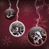 Bolas decorativas de la Navidad en fondo de la nieve Foto de archivo libre de regalías