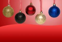 Bolas del árbol de navidad - tarjeta de felicitación Imágenes de archivo libres de regalías