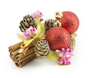 Bolas del Año Nuevo, de la Navidad, decoraciones y regalos Foto de archivo