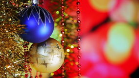 Bolas del Año Nuevo de la Navidad y luces fondo, primer del centelleo almacen de metraje de vídeo