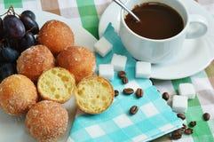 Bolas del descanso para tomar café y del quark Imagen de archivo