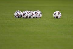 Bolas del funcionario de la liga de campeones de UEFA Fotos de archivo