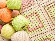 Bolas del hilado colorido para el ganchillo Imágenes de archivo libres de regalías
