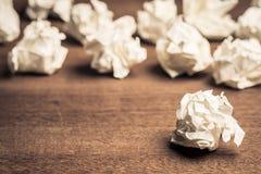 Bolas del papel del agolpamiento fotografía de archivo libre de regalías