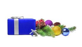 Bolas del rectángulo y de la Navidad de regalo Foto de archivo libre de regalías