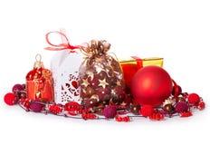 Bolas do Natal da curva da caixa de presente Imagens de Stock