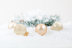 Bolas do Natal e do ano novo no fundo claro Fotos de Stock Royalty Free