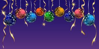 Bolas do Natal, flocos de neve, serpentina dourada, fundo azul Imagem de Stock Royalty Free