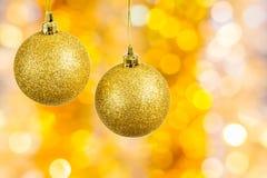 Bolas do Natal no fundo abstrato festivo Fotos de Stock Royalty Free
