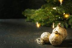 Bolas do Natal do ofício fotos de stock royalty free