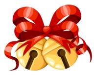 Bolas douradas do sino de Natal com fita e curva vermelhas Decoração do Xmas Ícone dos sinos de tinir Ilustração do vetor isolada Foto de Stock Royalty Free